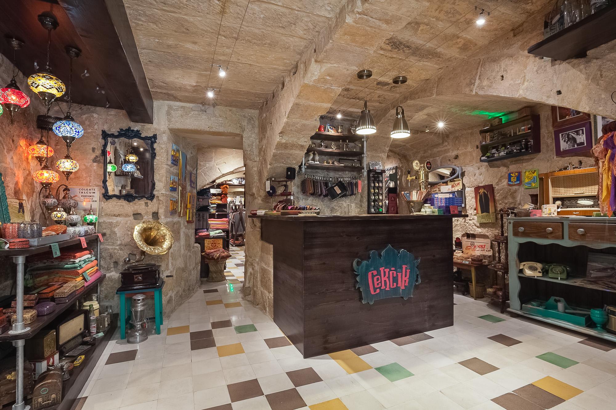 Cekcik shop in Valletta